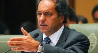 Scioli negocia con De Narváez.