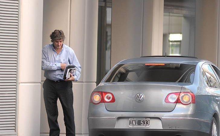 Boudou compró 16 coches para Economía.