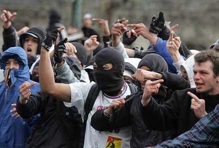 https://i0.wp.com/crimevictimsmediareport.com/wp-content/uploads/2010/05/french-riots.jpg?resize=440%2C297