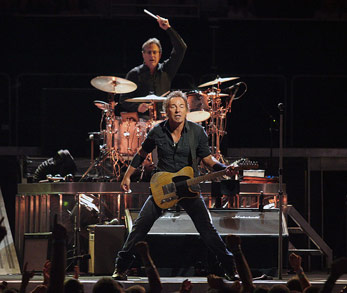 US-Sänger Bruce Springsteen (2008) By Craig ONeal (The Boss~Live!) [CC-BY-SA-2.0], via Wikimedia Commons