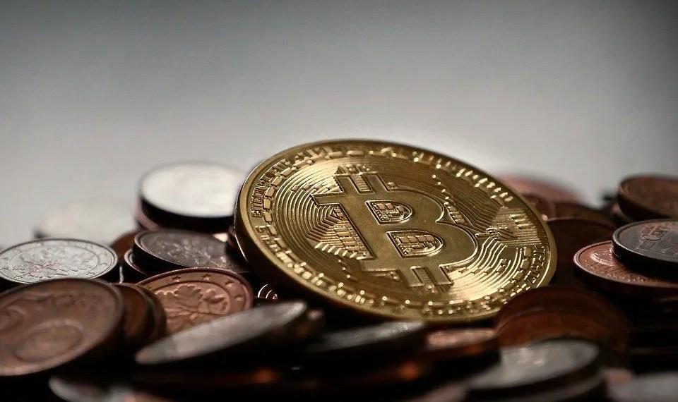 Ascendeu-criptomoedas-bitcoin-electronica