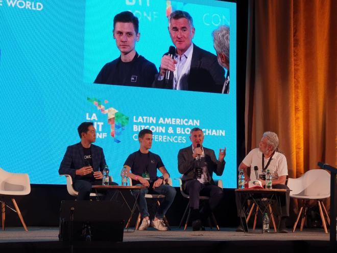 Panel sobre la influencia de las criptomonedas en el mundo en laBITconf