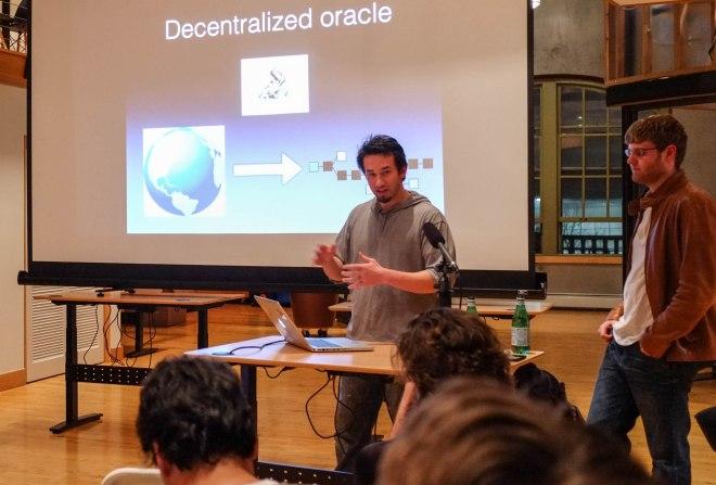 Los fundadores de la plataforma Augur basada en Ethereum, Jack Peterson y Joey Krug.