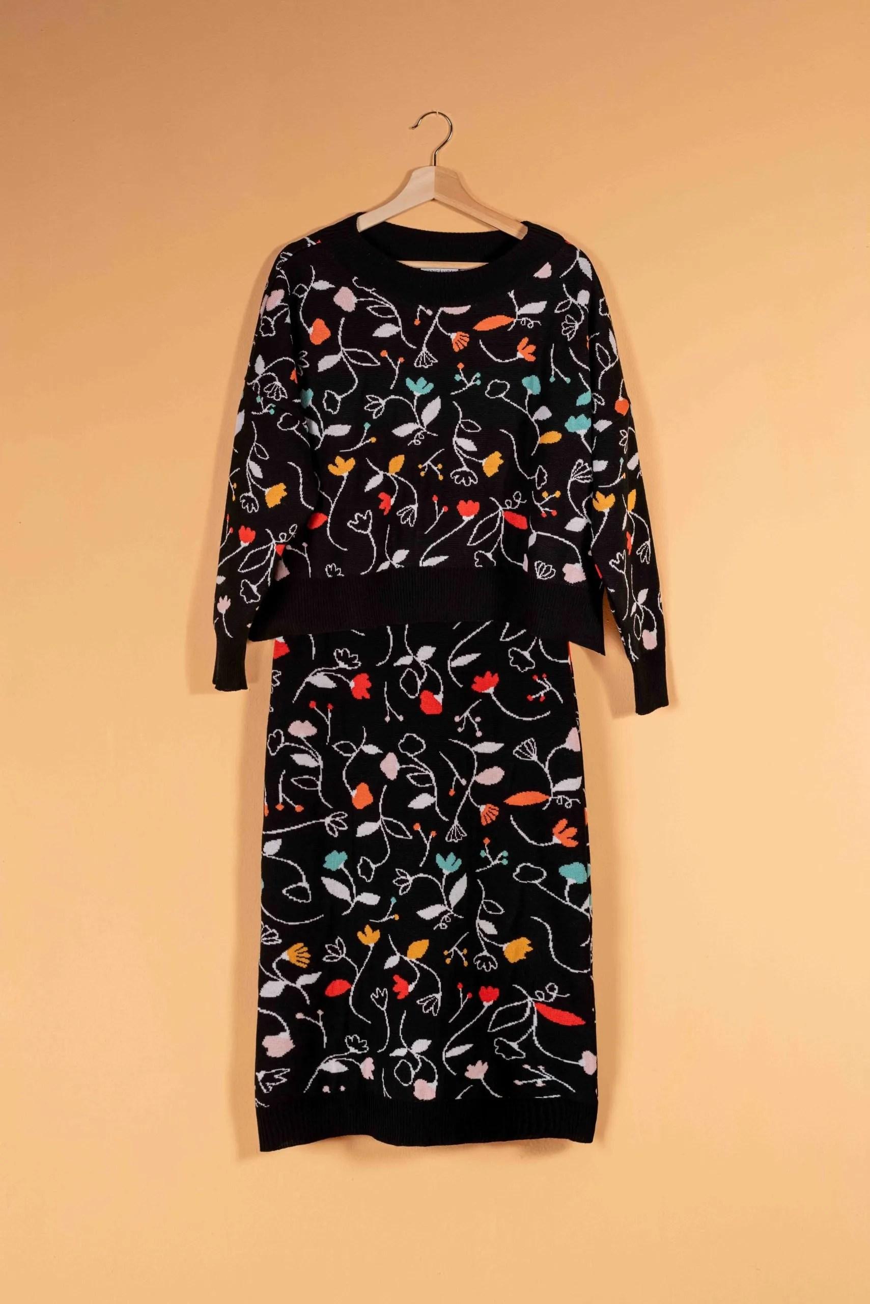 Conjunto lana merino negro flores colores goncharova crisalida