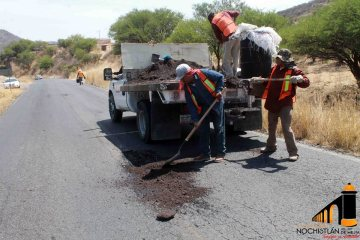 Bacheo de carretera Nochistlán-Yahualica
