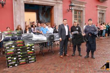Entrega de uniformes y chalecos antibalas a Seguridad Publica