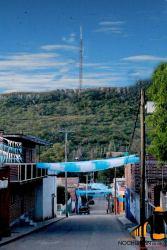 Antena de señal para celular en Toyahua.