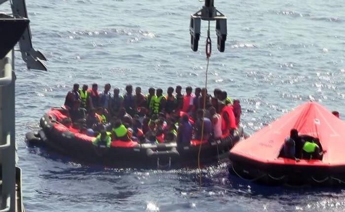 Η Frontex διέσωσε 69 μετανάστες στη Χίο