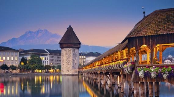 Η Ελβετία αποσύρει την αίτηση ένταξης στην ΕΕ