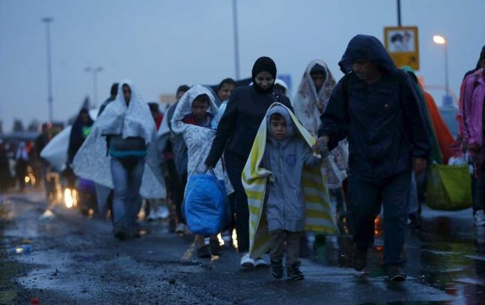 Μεταναστευτικό: Πιο αυστηροί κανόνες, πιο σφιχτές προθεσμίες για επαναπατρισμό