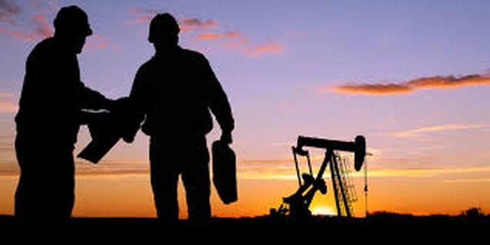 Γιατί η Σαουδική Αραβία φορολογεί με 50-85% τις πετρελαϊκές