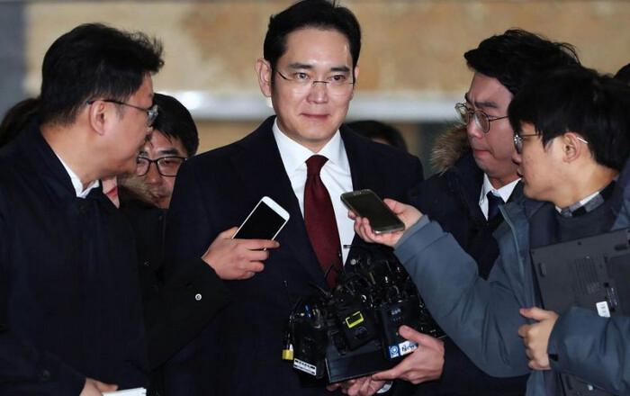 Στο εδώλιο ο ισχυρός άνδρας της Samsung για… τα πάντα