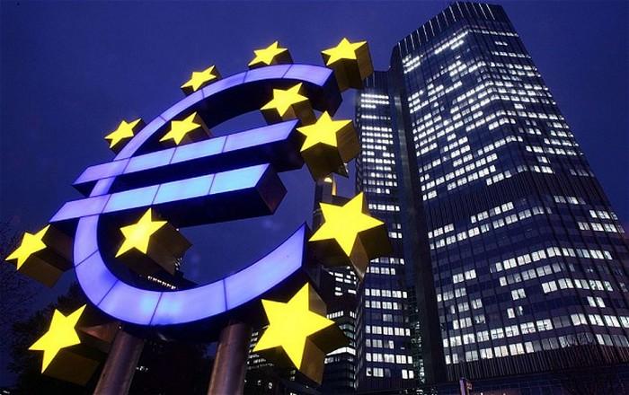 Η ΕΚΤ επιμένει για περισσότερη σαφήνεια