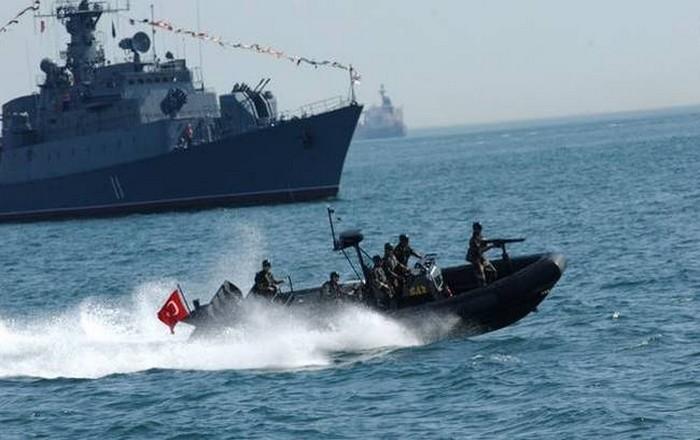 Η Τουρκία θέτει  σε επιφυλακή κομάντο, φρεγάτα και πυραυλακάτους στο Αιγαίο