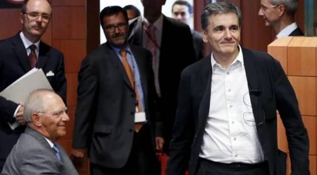 Μάχη για το χρέος και τα κλειδιά της Ελλάδας