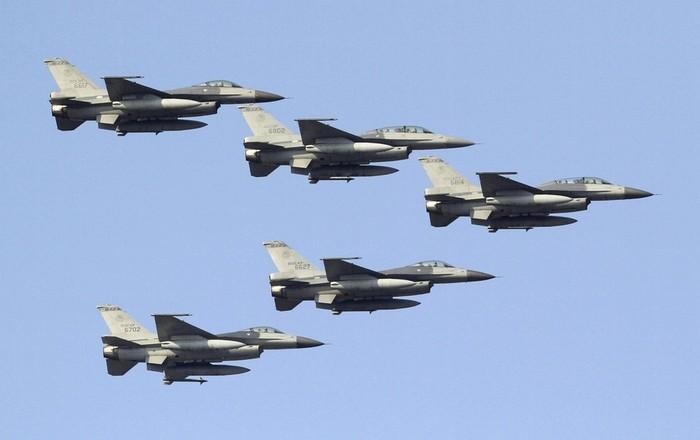 Παραβιάσεις και εικονικές αερομαχίες στο Αιγαίο