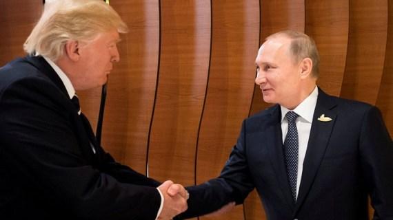 Τι  συμβαίνει με το τετ-α-τετ Τραμπ-Πούτιν στο Βιετνάμ;