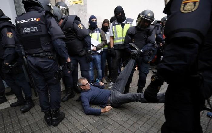 Ανθρώπινες ασπίδες ετοιμάζουν οι Καταλανοί
