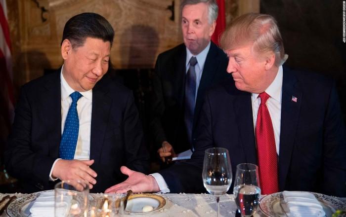 Αναστέλλεται ο εμπορικός πόλεμος ΗΠΑ-Κίνας