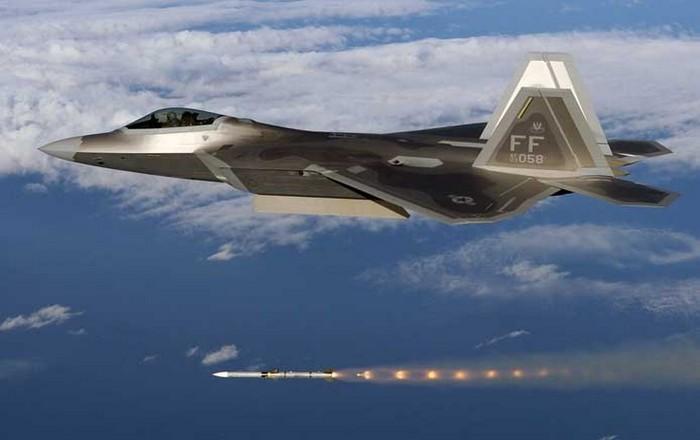 Οι ΗΠΑ κλιμακώνουν την αντιπαράθεση με Κιμ, στέλνουν F-22 στη Νότια Κορέα
