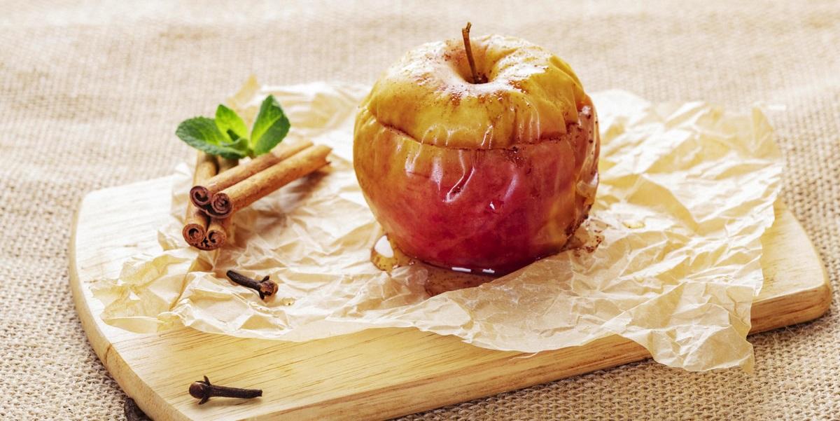 запеченное яблоко, диета. коронавирус