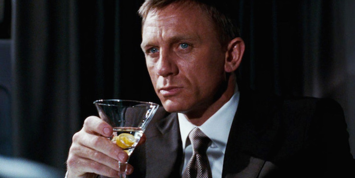 Джеймс Бонд, виски с содовой