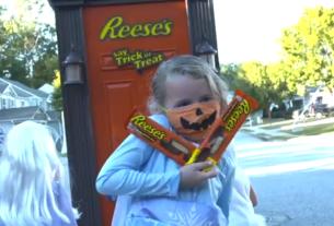 США, тарталетки с арахисовым маслом, сладости, дверь на колесах, Hershey's, Хэллоуин