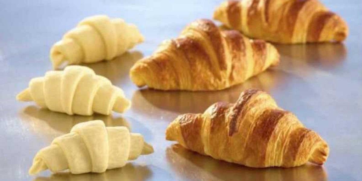 круассаны, маргарин в тесто, запаковать маргарин, производство круассанов, фабрика круассанов