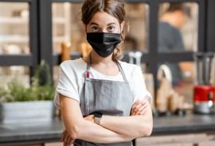 защитная маска, маска в кафе, объявление, штраф за маску