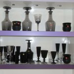 Verrerie noire (Flute, carafe, verre)