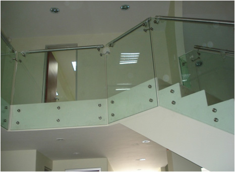 Barandas en cristal y acero inoxidable cristalseg - Escaleras de acero y cristal ...