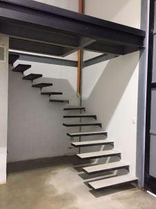 Baranda, cristal, vidrio, accesorios en acero, baranda en acero inoxidable, pasamanos, corta vientos, escaleras flotadas, minimalismo, balcón, baranda, escalera, corta viento, escalera flotada.