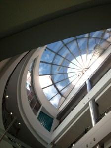Cubierta, marquesina, policarbonato, estructura en aluminio, acrílico, domo, cubierta terraza, claraboya.