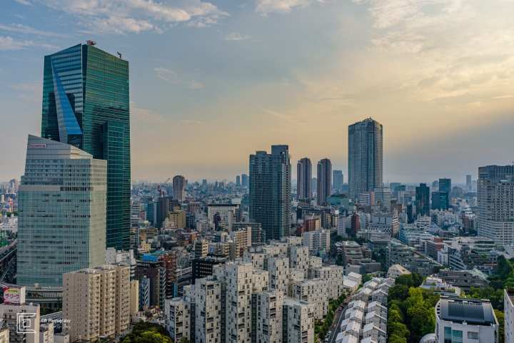 Afternoon view over downtown Tokyo from 28th floor in Akasaka by Cristian Bucur photographer in Tokyo.
