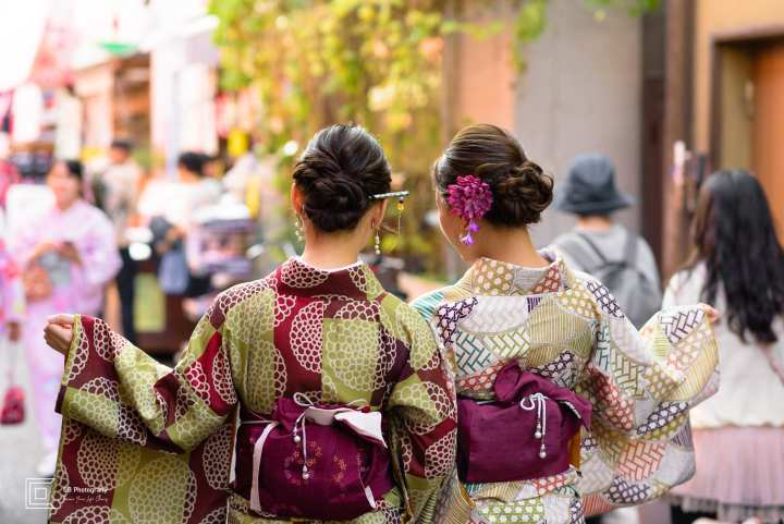 Vacation Portrait Photoshoot | Japanese girls wearing Kimono in Asakusa Area, by Cristian Bucur Photographer in Tokyo Metropolitan Area