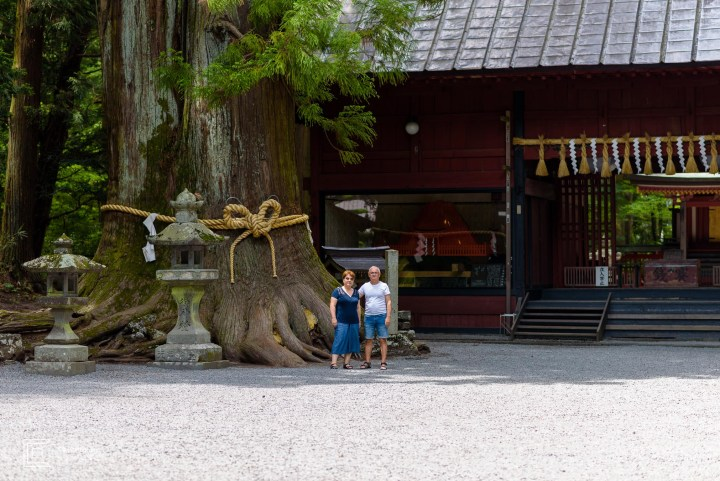Tokyo family portrait photographer; Senior Session during vacation at Kitaguchi-hongu Fuji Sengen Shrine