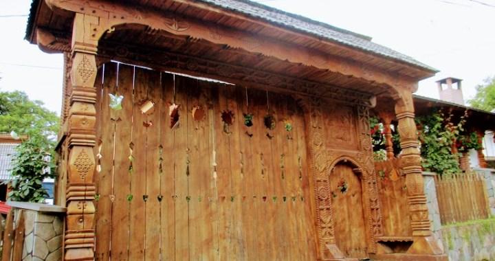 ,,Romania, asa cum e!,,: Portile de lemn din satele maramuresene