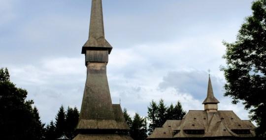 """""""Romania, asa cum e!"""": Biserica de lemn Peri"""