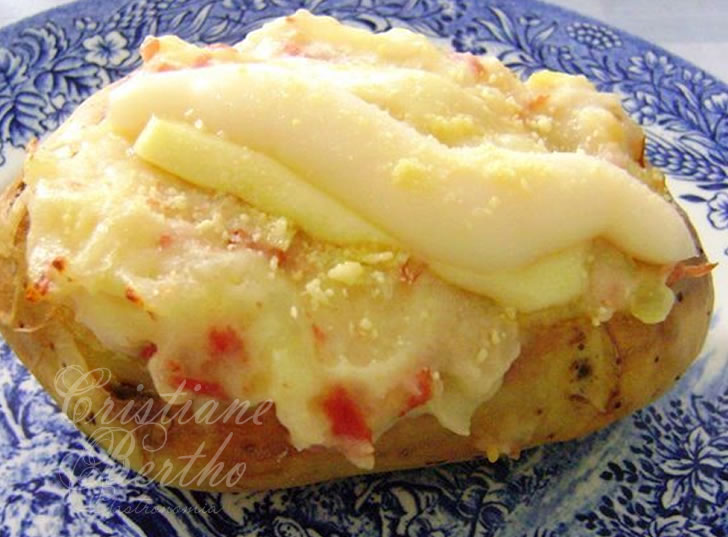 receita de batata recheada com calabresa e requeijão cremoso