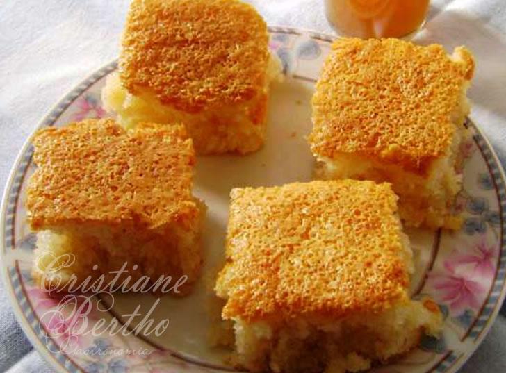 receita tradicional de bolo de arroz cuiabano