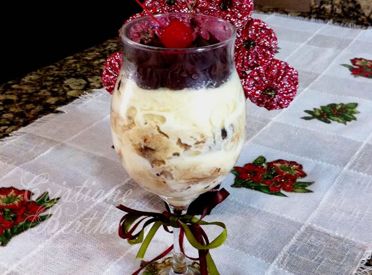 Receita de sorvetone preparado com sorvete perfetto e Panetone Roma Gotas de Chocolate