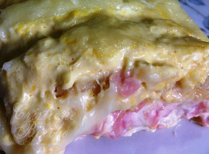 Receita de torta assada preparada com milho verde
