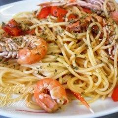 Espaguete com Camarão ao Alho e Óleo