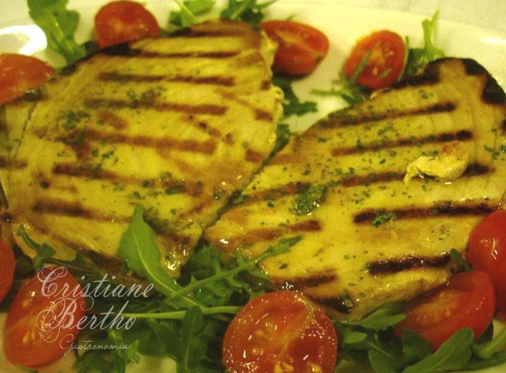 Receita de peixe marinado e grelhado