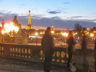 Iluminação da Torre Eifel.