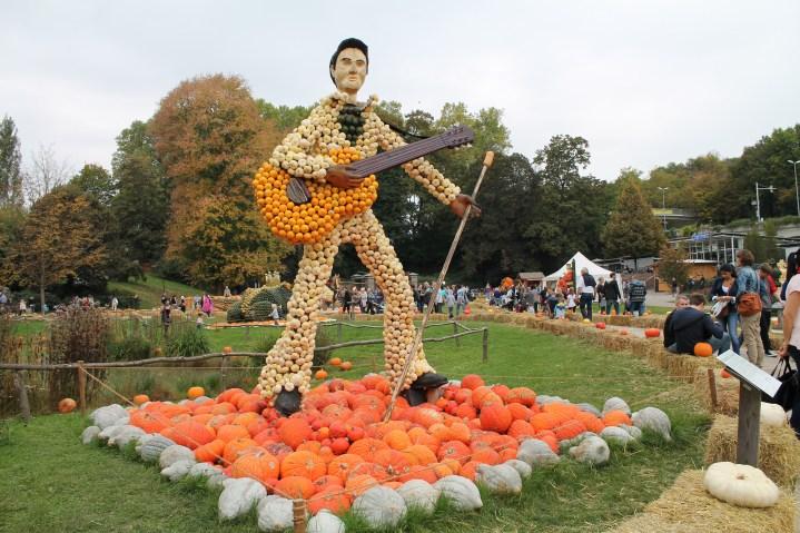 escultura de abóbora do Elvis Presley. Viagens pelo Mundo