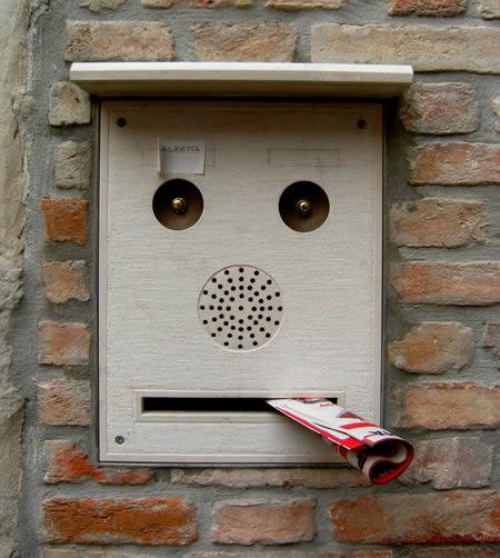 spam prin cutia postala