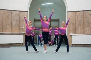 antrenament junioare gimnastica 43