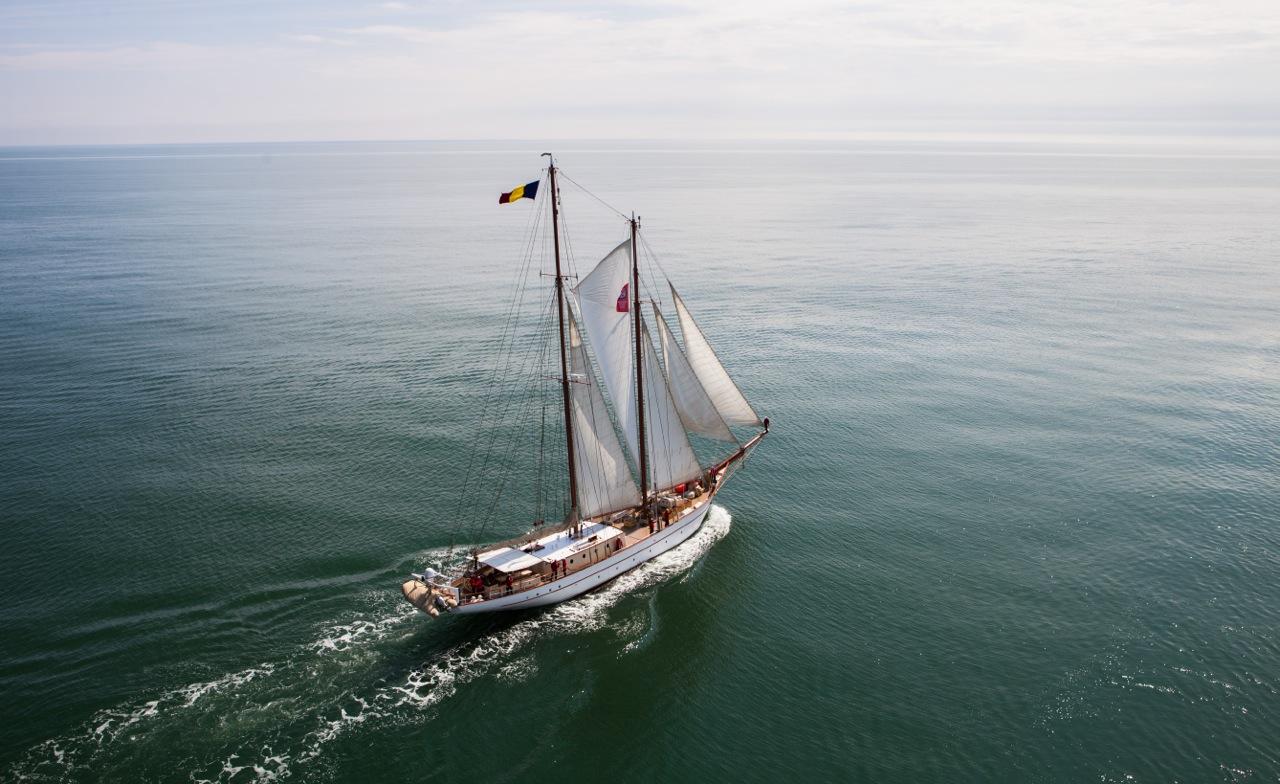 aventura pe o nava cu panze - constanta varna din elicopter