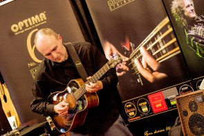 namm2017-day1-performance-at-optima-strings-11